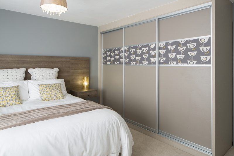 13 Grey painted Oak and wallper low res